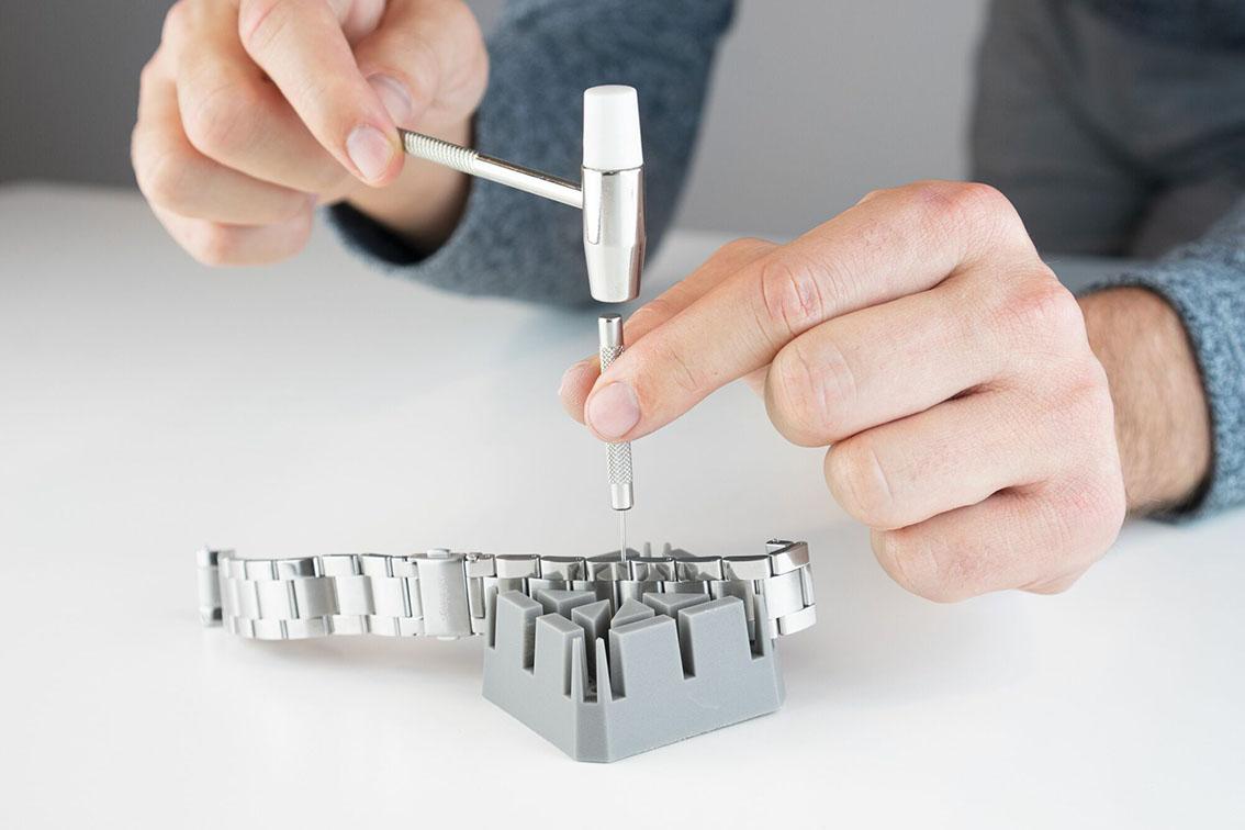 metal-wristband-new-3.jpeg